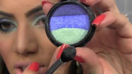 Опушен грим в синьо и светло зелено
