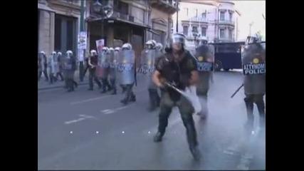 Гръцката полиция разпръсна протест на мюсюлмани в центъра на Атина