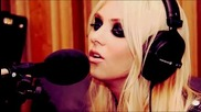 The Pretty Reckless - Miss Nothing (radio 1s Live Lounge)