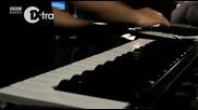 Заслужава да се види !!! : Engine - Earz Experiment - Kaliyuga ( fully live dubstep )