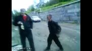 Смях! Руснаците са диво племе! :d Особено като се наквасят.