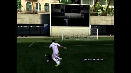 Ronaldo се гаври с Валдес