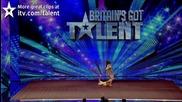 Това момиче и нейното танцуващо куче развеселиха не само публиката ,но и журито!