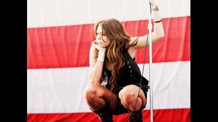 Miley Cyrus vs Selena Gomez