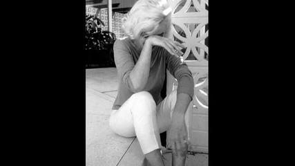 Marilyn Monroe - Everybody Hurts
