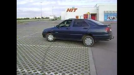 Паркиране на Сеат Толедо с ръчна