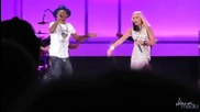 Gwen Stefani & Pharrell - Hollaback Girl