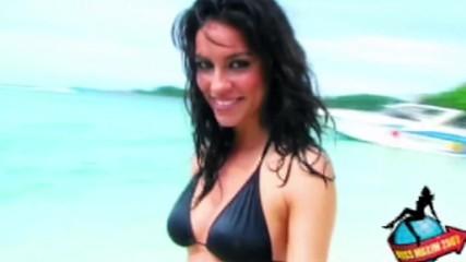 Красивата американка Кери блести със секси усмивка и стегнато тяло-мечта!