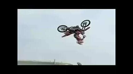 Ужасна катастрофа на Джеръми Lusk и други ужасни свободен стил мотокрос аварии