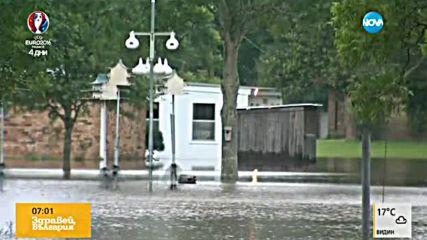 Спасиха няколко души след тежките наводнения в Тексас