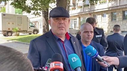 Гешев за Христо Иванов: Това не е Зимния дворец, вътре не е Каренин, а той е с гумена лодка