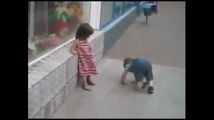Много добри и смешни бебета