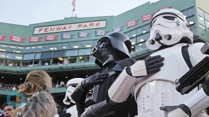 Chewbacca Throws First Pitch At Red Sox Game