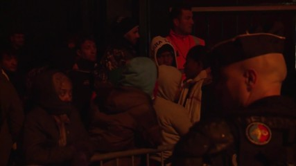 France: Refugees continue to leave Calais refugee camp after forced eviction