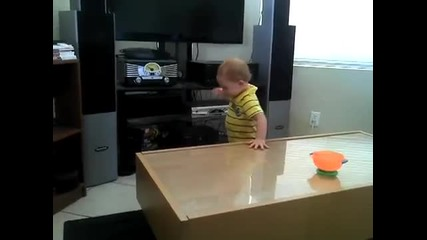 От малък знае!!! Бебе-метъл