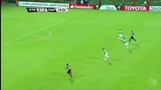 Роналдиньо скри топката на противников играч !