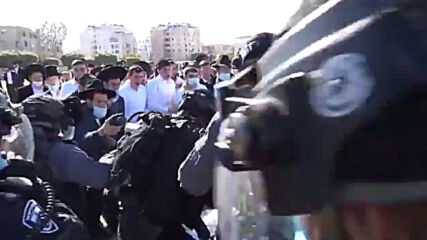 Israel: Clashes erupt between ultra-Orthodox Jews and police over COVID restrictions
