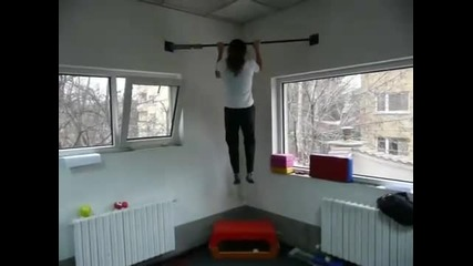 14 Pull - ups with Perfect Form by Female athlete