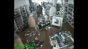 земетресение заснето от камери2