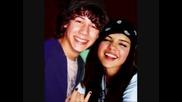 Nick Jonas & Selena Gomez /pics/