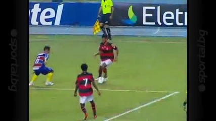 Роналдиньо показа как Не трябва да се бие дузпа
