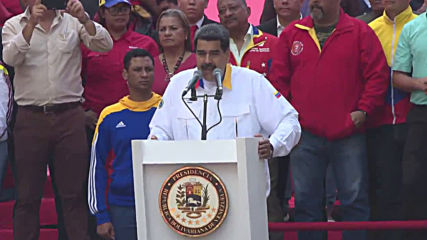 Venezuela: Maduro dances with supporters on anniversary of election victory