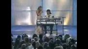 Beyonce пее Signed,  Sealed на Blue i Stevy Wonder
