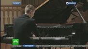 15-годишен виртуоз от Казан изуми света - свири на пиано без ръце