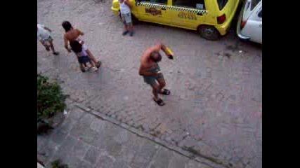 Пиян Селянин Танцува В Созопол