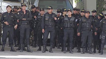 Honduras: Guatemalan border crossing closed to stem mass exodus