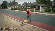 Как в Холандия асфалтират улица цветно