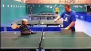Бебе тренира тенис на маса