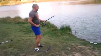 Луд рибар-мамба