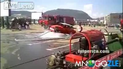 Кола върви на вода