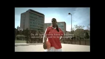 Нова черна футболната звезда