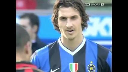 Ибрахимович гледа страшно и се присмива на Роналдо