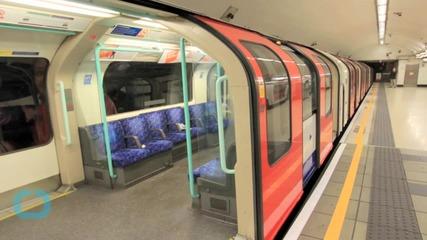 Hypnotic Video Visualizes Half a Million Journeys on the London Underground
