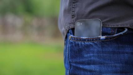 Защо толкова често ни се струва че телефонът вибрира