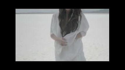 +превод Demi Lovato - Skyscraper 2011 (официално видео)