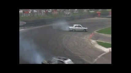 Страшна Машина Bmw E30 V8 Drift!