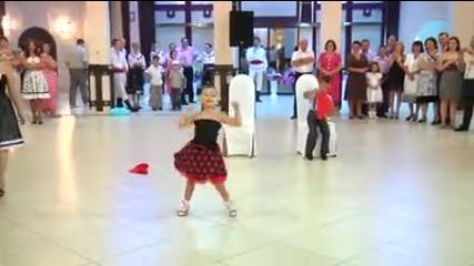 Малки сладури играят Спортни танци