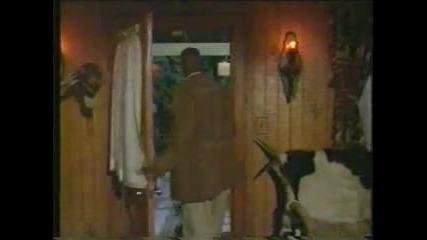 Велика сцена Адам Сандлър изпълнява песента на Уитни Хюстън от бодигард (филма е Брониран) Луд смях