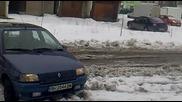 Клио цепи снега