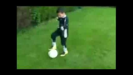 6 Годишен Феномен За Който Се Борят Челси И Реал