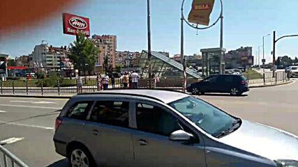 """Малцина протестиращи блокираха булевард """"Ал.Малинов"""" в Младост"""
