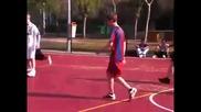 Сладур! Джъстин Бийбър играе футбол в Мадрид, Испания 2о11