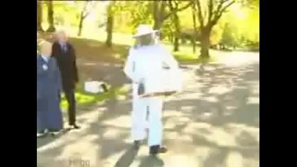 Скрита камера - пчеларят