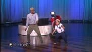 Пълничкото момче разбива отново с танцовите си умения