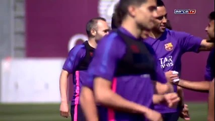 Тренировката преди финала /fc Barcelona training session- Preparation begins for the Cup final