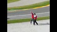 Ferrari закъсва в пясък